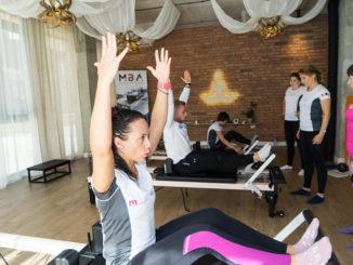 Pilates pe reformer pentru prevenirea osteoporozei